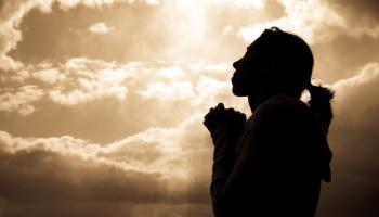Mame in rugaciune